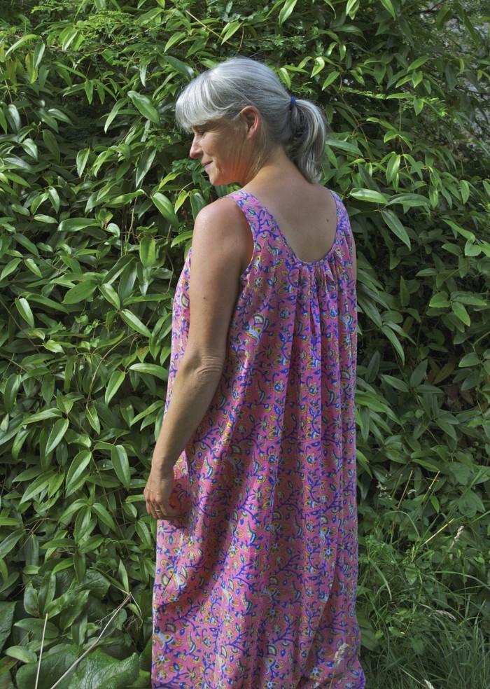 32 sleeveless nightgown