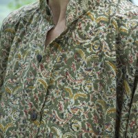 59 Laura shirt in olive kalamkari print